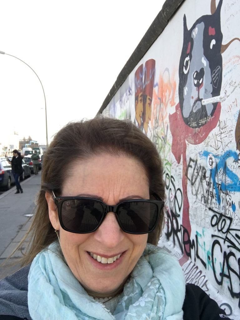 y sister Jackie taking a selfie at the East Side Gallery/Berlin Wall